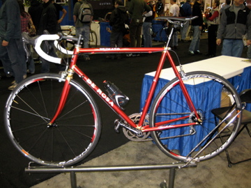 Classic DeRosa steel lugged. Nice (shitty picture though).
